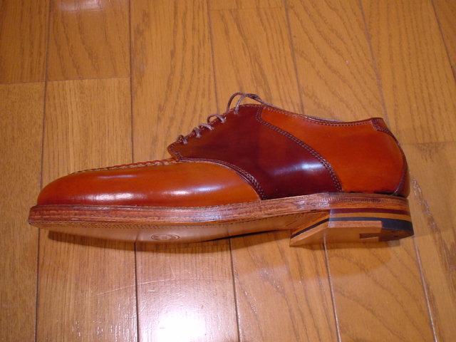 両色ともほとんど出まわらないコードヴァンが贅沢に使われた稀少な靴でもあります。